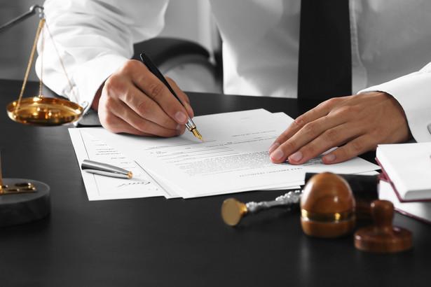 Specyfika pracy notariuszy sprawia, że większości czynności nie można przeprowadzić na odległość