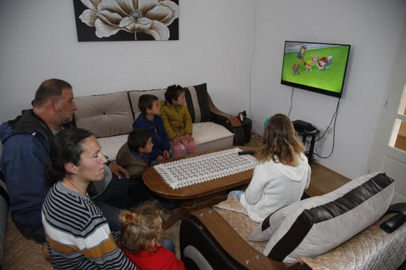 Deca sada mogu čak na tri televizora da gledaju crtaće