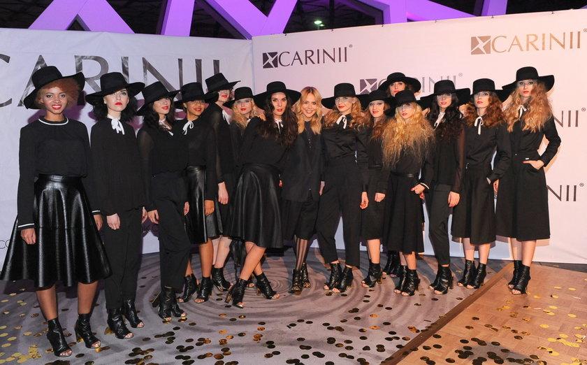 Modelki na pokazie najnowszej kolekcji marki obuwniczej Carinii