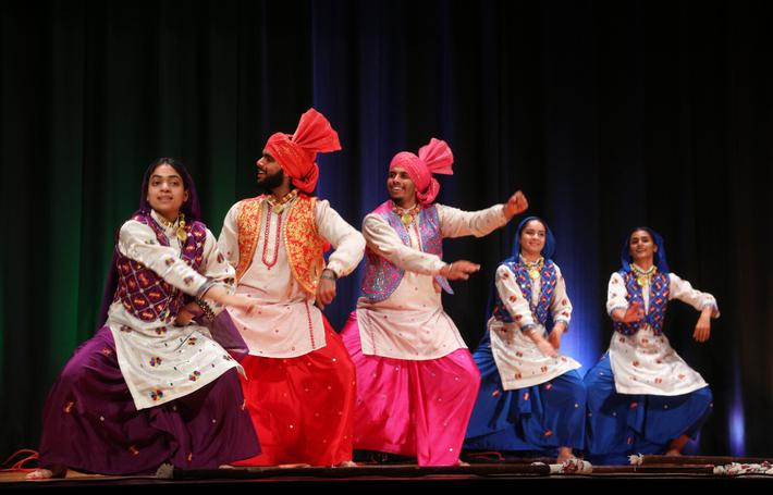 Bhangra Dancers Performs in Mississauga