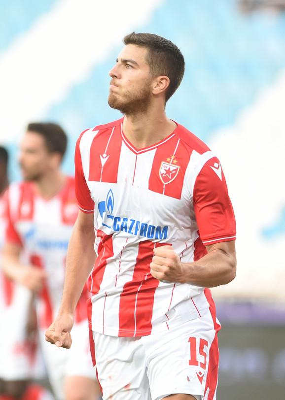 Babić slavi gol za 2:1 na meču Crvena zvezda - Radnik
