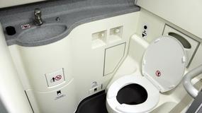 Z powodu awarii toalety samolot z 70 hydraulikami na pokładzie musiał zawrócić