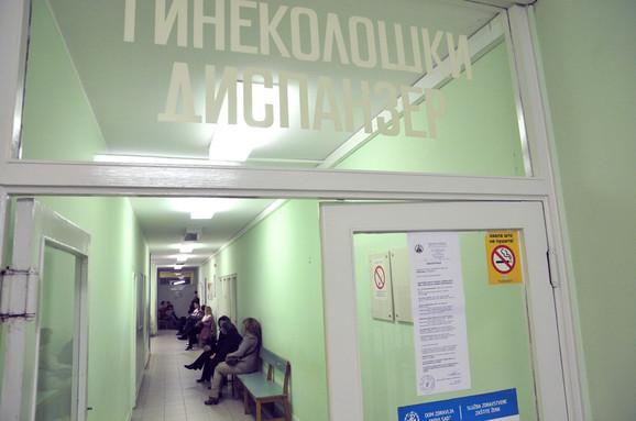 Jedan ginekolog pregleda po 40 žena dnevno: Iz dispanzera u Novom Sadu