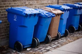 Koszty wywozu odpadów zaczynają dławić szpitale. Chorych przybywa lawinowo