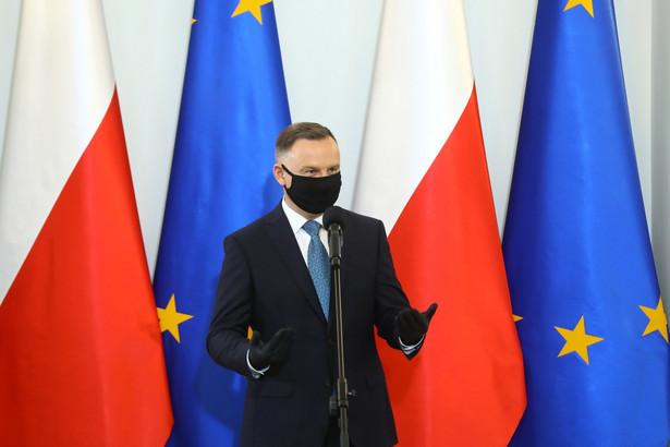 Prezydent Andrzej Duda podczas uroczystości powołania Rady do spraw Samorządu Terytorialnego