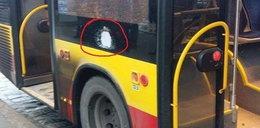 Atak furiata w MPK! Zrobił dziurę w autobusie