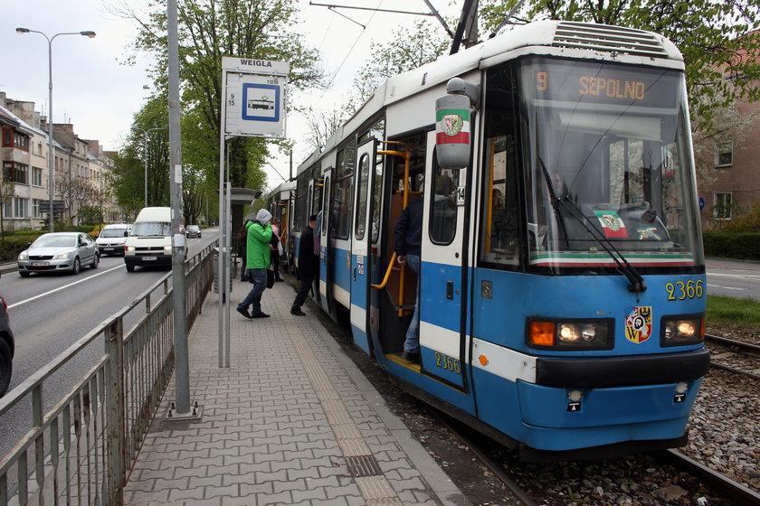 tramwaj tory przystanek