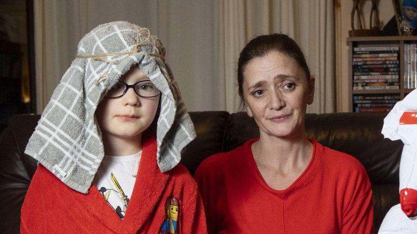 Zamówiła kostium pastuszka dla syna. Dostała taki gratis!