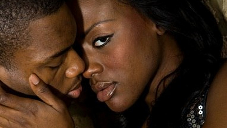 How can a woman show love to a man