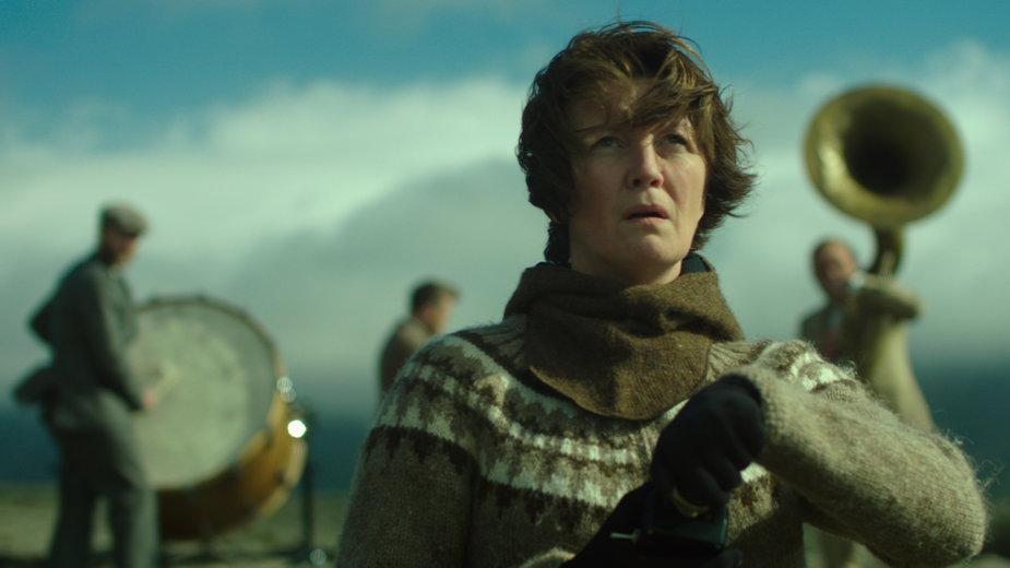 """Kadr z filmu """"Kobieta idzie na wojnę"""""""