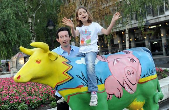 Karl ima sajt www.ambassador-serbia.com na kome promoviše lepote Srbije