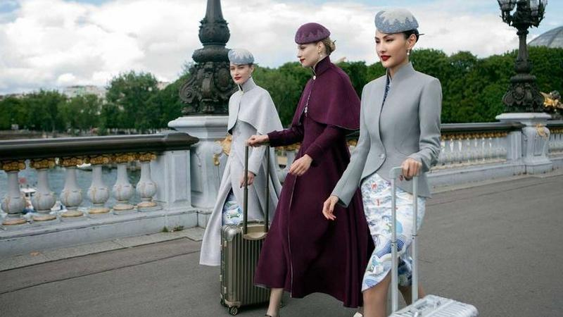 hainan-airlines-uniforms-haute-couture-china-4-e1499772014738