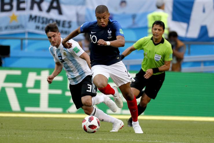 Fudbalska reprezentacija Francuske, Fudbalska reprezentacija Argentine