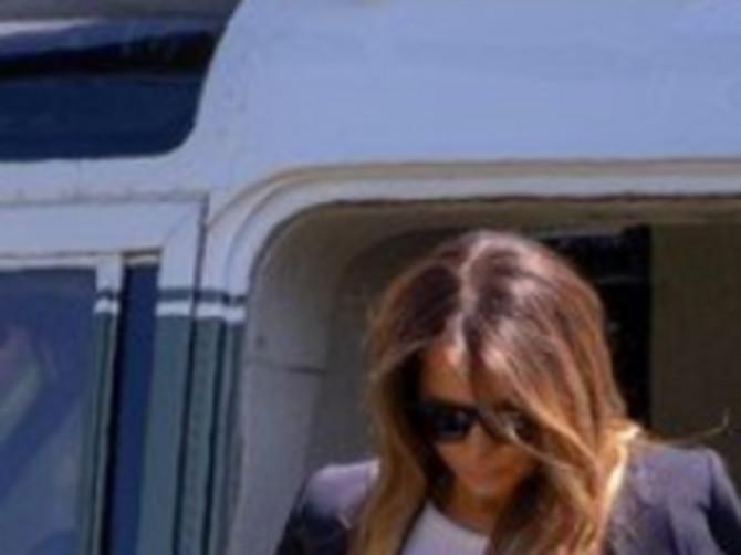 Izašla je iz aviona i svi su gledali samo u FATALNI KOMPLET koji je Melanija obukla! Ovo je MODNI KLASIK koji od svaKe žene pravi BOGINJU!