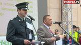 Protest celników. Minister tłumaczy się przed tłumem