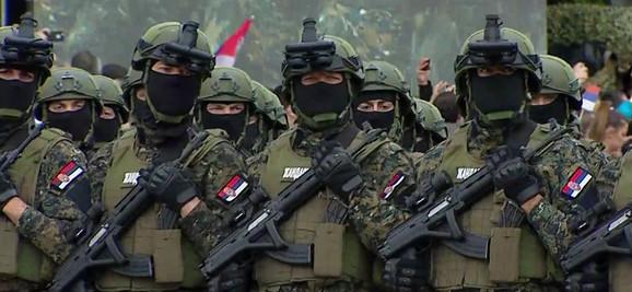 Za Makronovu bezbednost brinuće i srpska Žandarmerija