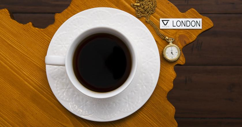 Stolik kawowy Holdis w kształcie Londynu