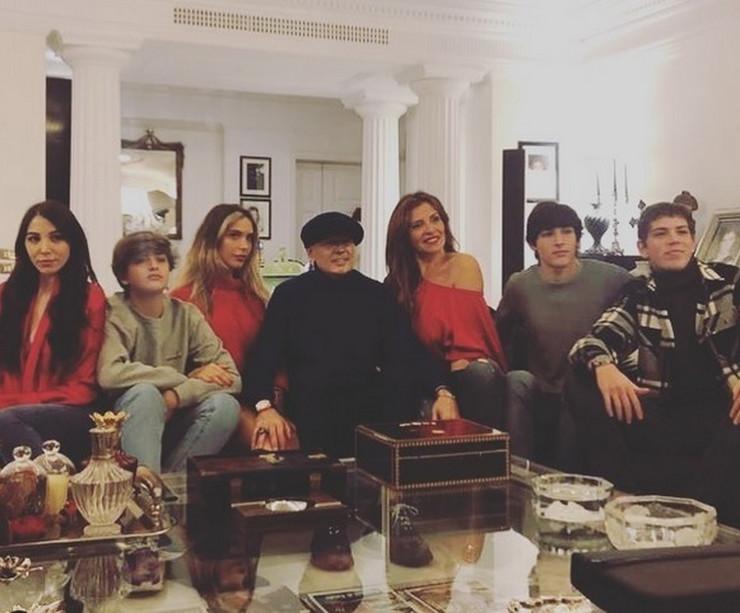 Siniša Mihajlović sa porodicom