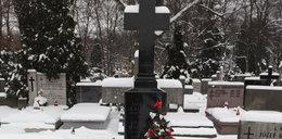 Nie było miejsca dla śp. Jadwigi Kaczyńskiej w grobie jej męża?