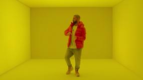 """Drake prezentuje """"Hotline Bling"""""""