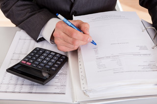 Jaki CIT i VAT przy fakturze korygującej do sprzedaży sprzed zmiany stawek