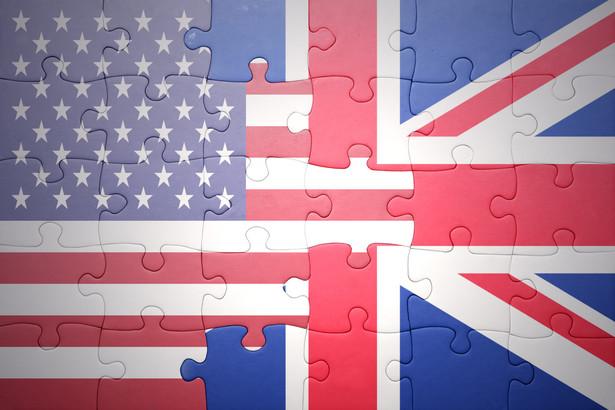 Według szacunków rządu, całkowite zniesienie ceł i zmniejszenie o połowę barier pozataryfowych zwiększy wartość handlu między Wielką Brytanią a USA o 15,3 mld funtów, a to przełoży się na wzrost brytyjskiego PKB o 3,4 mld funtów, czyli o 0,16 proc.