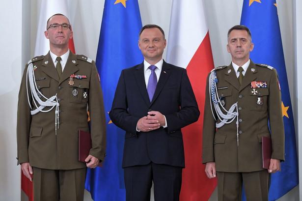 Piotrowski był dotychczas szefem sztabu Dowództwa Operacyjnego RSZ, wcześniej służył m.in. jako zastępca dowódcy polskiego kontyngentu wojskowego w Afganistanie.