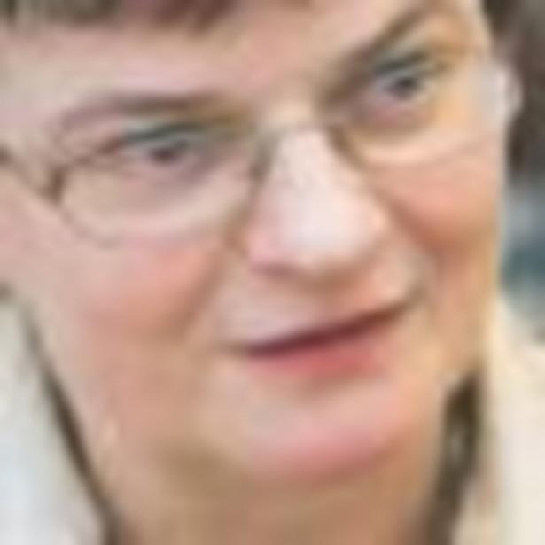 Krystyna Szumilas zwróciła uwagę, że w ramach oszczędności ministerstwo rezygnuje w 2009 roku z zakupu autobusów szkolnych. Fot. GP