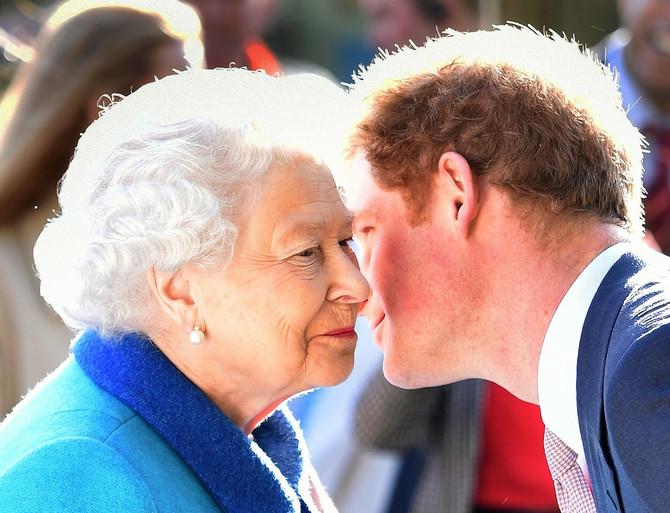 Da li je Megzit zaista trajno poremetio odnose kraljice i njenog mlađeg unuka?