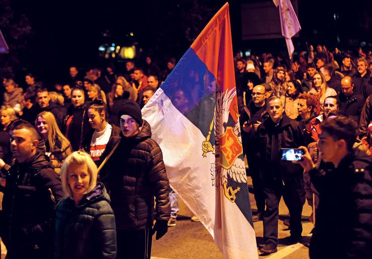 """Svetski poznati medij """"Hristijaniti tudej"""" pisao je o protestima širom Crne Gore i konstatovao da na tim skupovima ima više učesnika od pripadnika SPC, kaže verski analitičar Draško Đenović"""