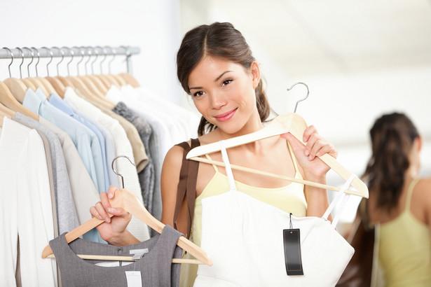 Czy tradycyjne przymierzalnie ubrań odejdą wkrótce w zapomnienie?