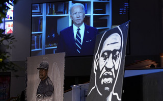 Biden na pogrzebie Floyda: Nastał czas na sprawiedliwość rasową