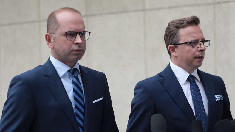 Posłowie Dariusz Joński i Michał Szczerba