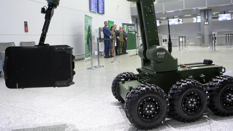 Robot pirotechniczny IBIS
