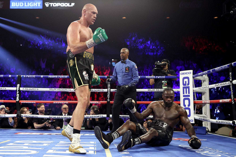Tyson Fury beat Wilder to become the new WBC champion