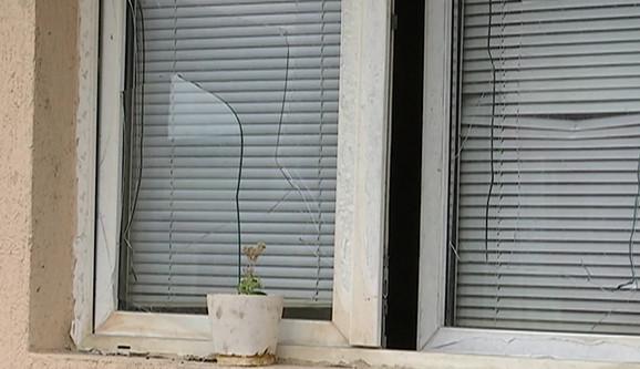 Popucala stakla na prozorima