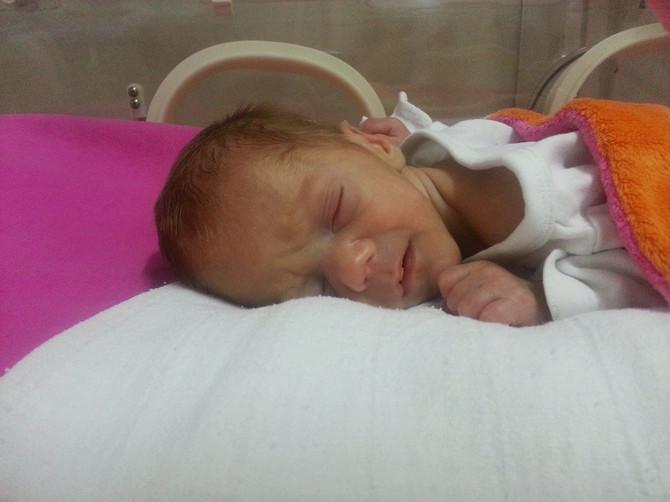 Ana (43) je Ognjena rodila u sedmom mesecu trudnoće: Bio je mali, providan, ali se borio- MORALA SAM I JA DA BUDEM JAKA