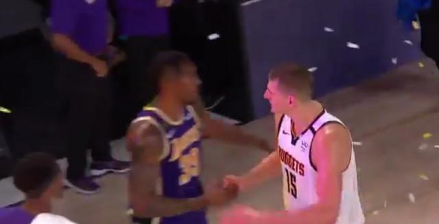 Dvajt Hauard prima čestitku od Nikole Jokića za plasman u NBA finale