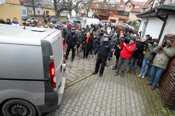 Sprawca wypadku w Kamieniu Pmorskim eskortowany do prokuratury