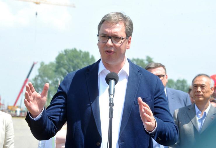 Aleksandar Vučić, Ana Brnabić, Autoput