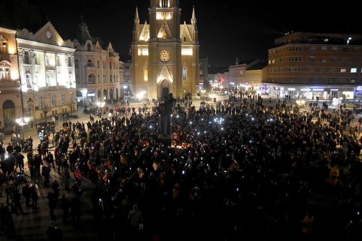 Novi Sad Trg slobode Đorđe Balašević