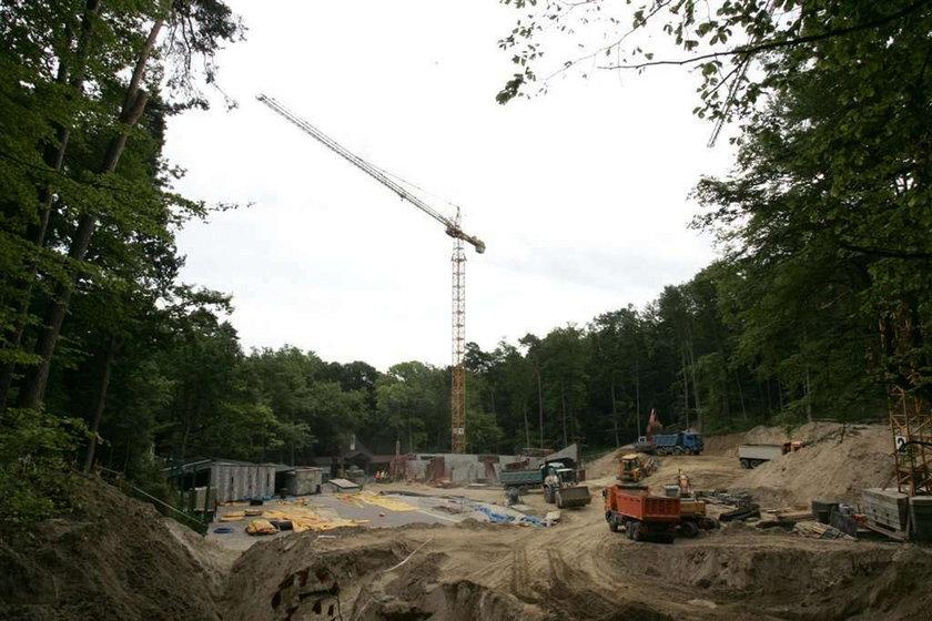 Budują nową Operę Leśną