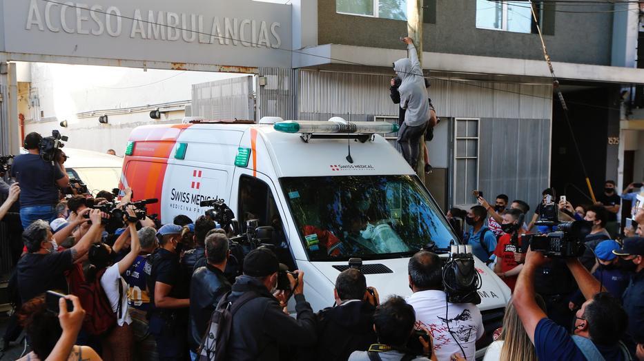 Maradona ügyvédje szerint túl későn, 30 perccel a riasztás után értek ki a mentők/- gettyimages
