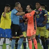 KOLUMBIJA U ŠOKU! Cela nacija ne može da dođe sebi kako je sudija pogurao Brazil do pobede, ovo se retko viđa! /VIDEO/