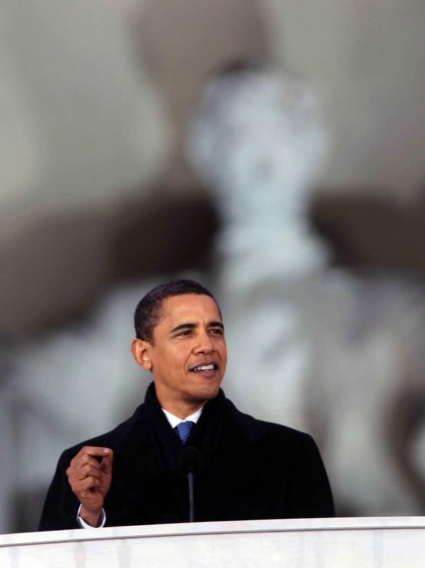 Barack Obama wziął w niedzielę udział w odbywających się na waszyngtońskim Mallu uroczystościach, rozpoczynających cykl imprez z okazji jego inauguracji na prezydenta USA w najbliższy wtorek.