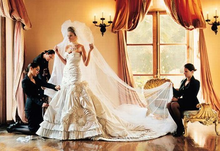 ba39274ebc Najdroższe suknie ślubne. Suknie ślubne. Drogie suknie ślubne