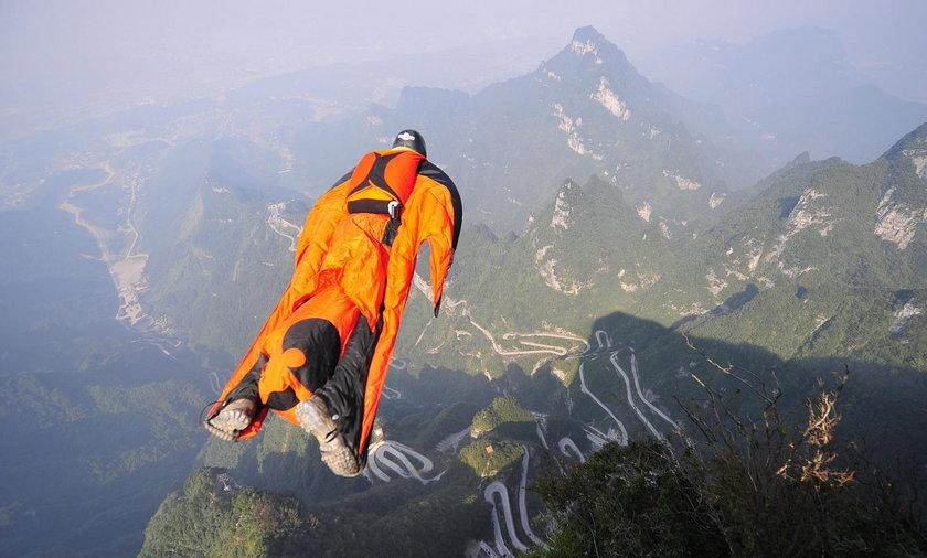 Ofiara wingsuit. We francuskich Alpach zmarł człowiek ptak