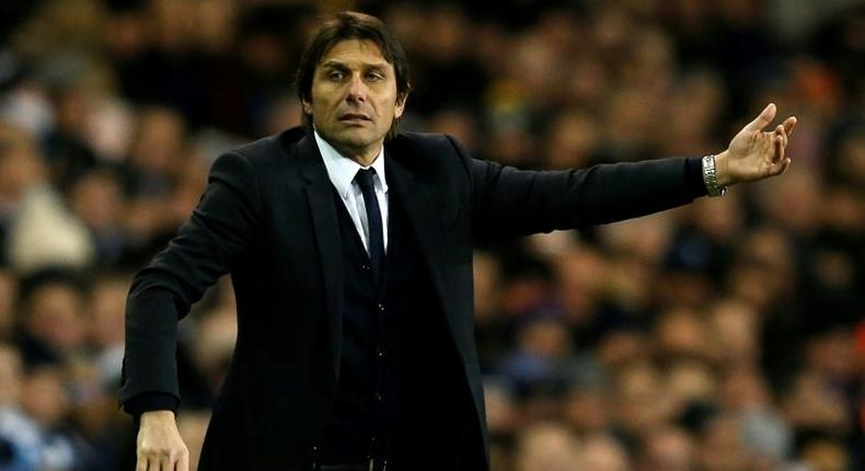 Chelsea's head coach Antonio Conte gestures on the touchline during the English Premier League football match against Tottenham Hotspur in London, on January 4, 201
