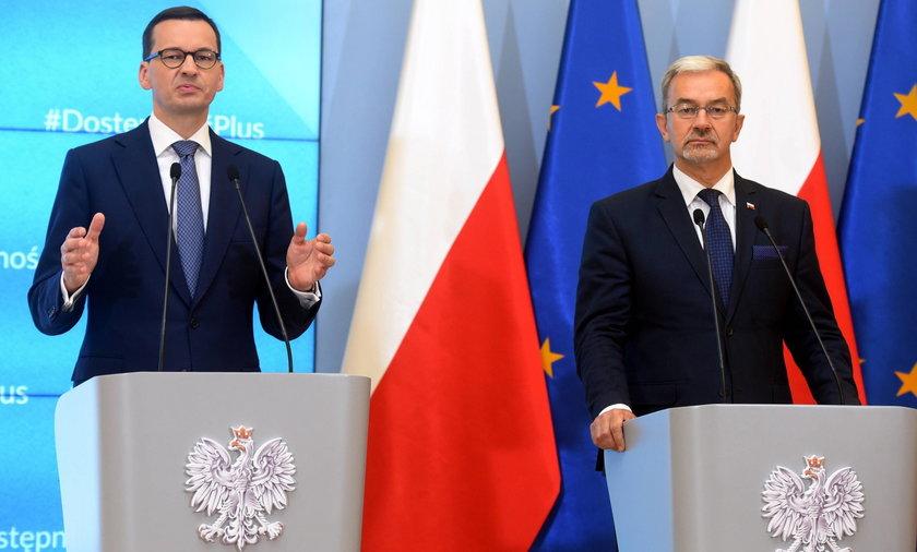 Premier Mateusz Morawiecki i minister finansów Jerzy Kwieciński