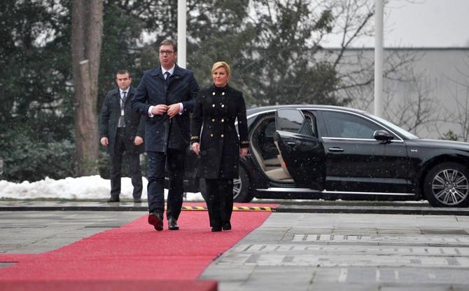 Predsednica Hrvatske Kolinda Grabar Kitarović juče je u Zagrebu dočekala predsednika Republike Srbije Aleksandra Vučića